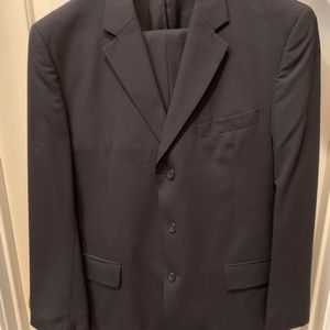 Jos. A. Bank Dark Blue Suit - Coat 41 R and Pants